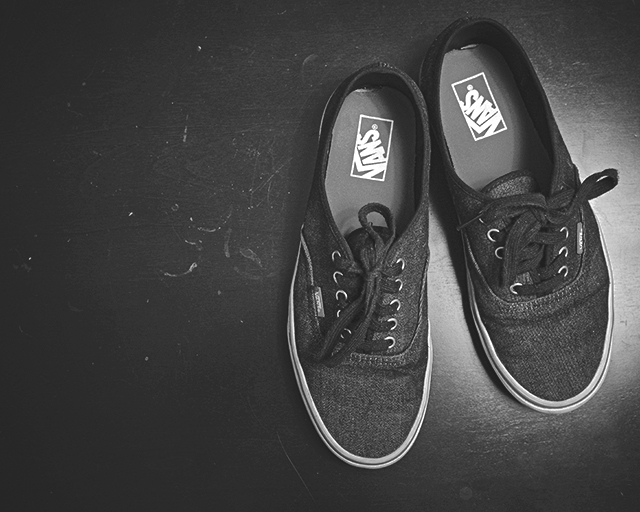 Waiting, Vans Sneakers, Black & White