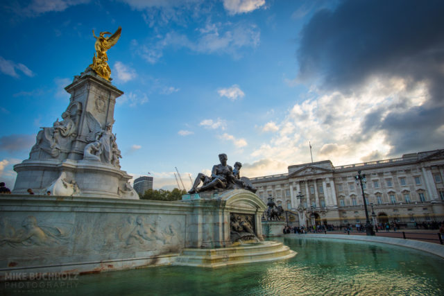 Victoria Memorial, Buckingham Palace; London, England